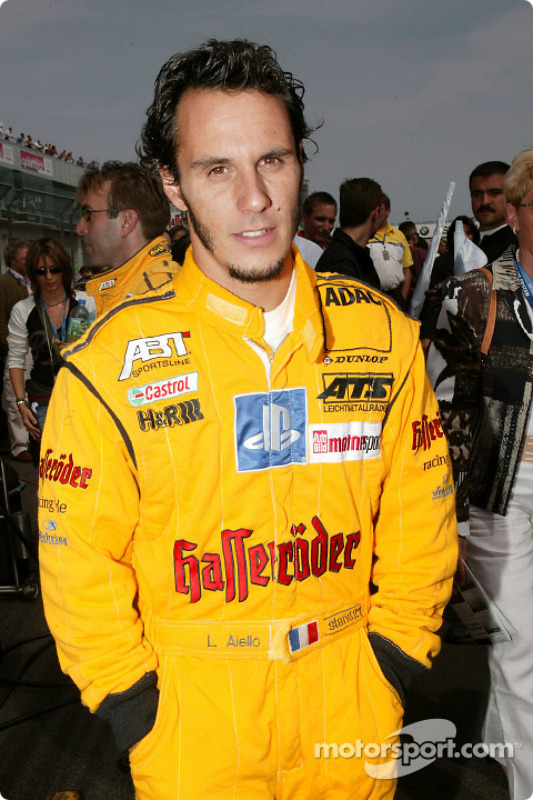 Laurent Aiello on the starting grid