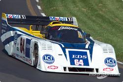 La #64 Chevrolet Intrepid de 1990, détenue par Brian DeVries