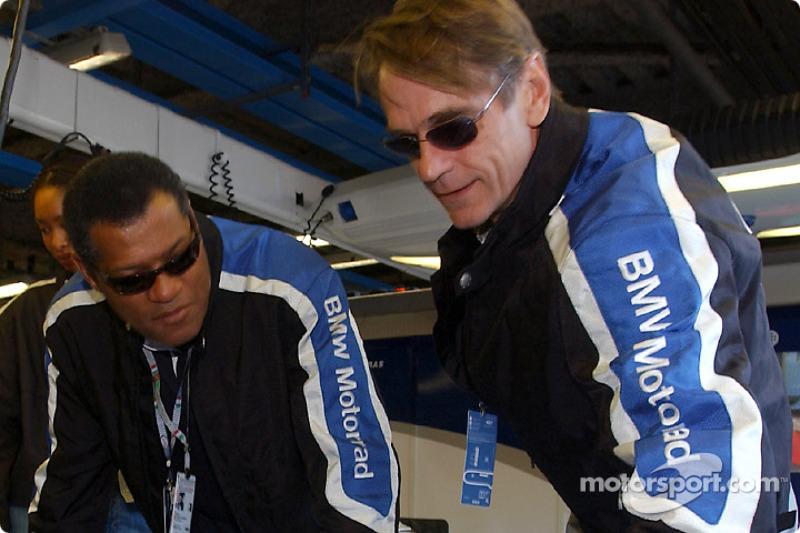 Actores Jeremy Irons y Laurence Fishburne visita el garaje de BMW WilliamsF1 Team