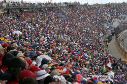 Crowd at Indianapolis Motor Speedway