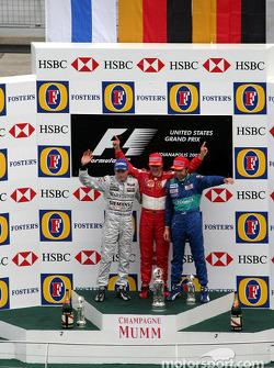 Podio: ganador de la carrera Michael Schumacher, segundo lugar Kimi Raikkonen y tercer lugar Heinz-H