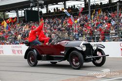 Desfile de pilotos: Rubens Barrichello y Michael Schumacher