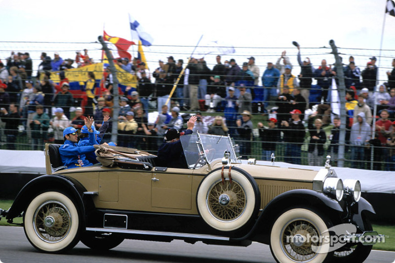 Desfile de pilotos: Fernando Alonso y Jarno Trulli