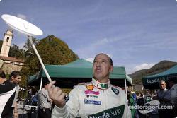 Didier Auriol spins plates