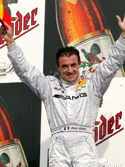 Podium: race winner Jean Alesi