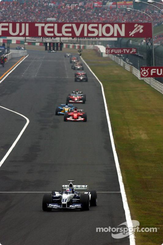 Juan Pablo Montoya en tête de la course