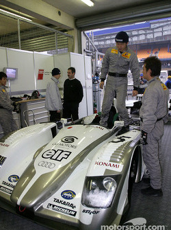 Audi Sport Japan Team Goh garage area
