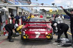 Pitstop for #7 V.I.P. Petfoods (Aust) P/L Porsche GT3 Carrera Cup: Tony Quinn, Klark Quinn, Marcus Marshall, Grant Denyer