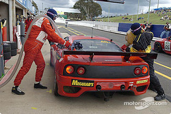 Pitstop for #48 PHR Scuderia Pty Ltd Ferrari 360 GT: David Brabham, Klaus Engelhorn, Andrea Montermini, Philipp Peter