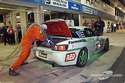 Pitstop for #28 Ross Palmer Motorsport Honda S2000: Anton Mechtler, Charlie Kovacs, James Brock, Mark Brame