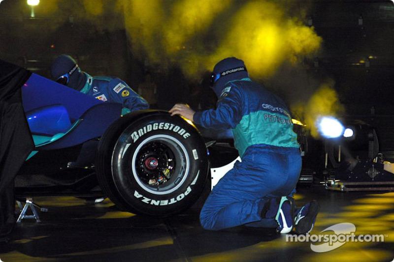 Механіки зібрали новий Sauber Petronas C23