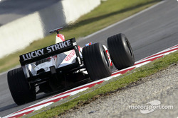 Jenson Button tests the new BAR 006