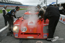 La Chevrolet Crawford n°09 du Spirit of Daytona Racing (Doug Goad, Stéphan Gregoire, Robby Gordon, Milka Duno) aux stands