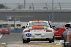 #63 North Shore Racing Porsche 996: Henry Gilbert, John Sturm