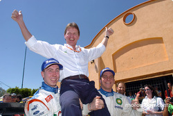 Markko Martin and François Duval lift team boss Malcolm Wilson