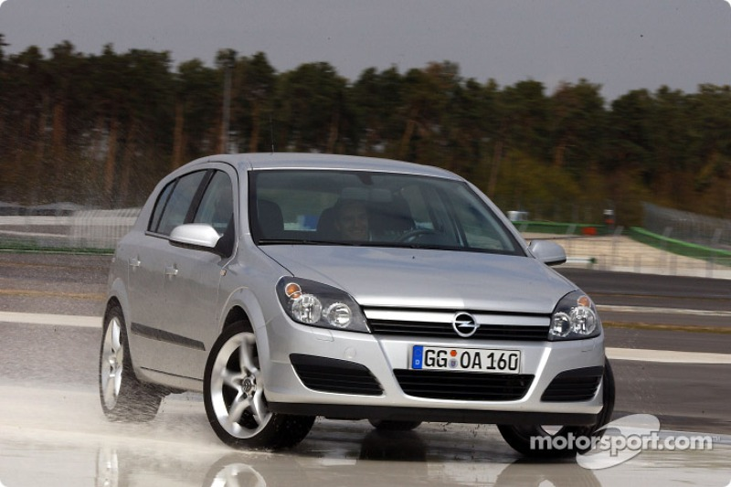 Timo Scheider tests the Opel