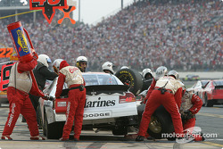 Pitstop for Sterling Marlin