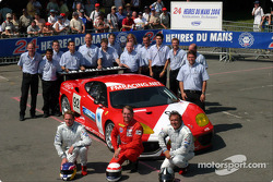 Team photo: Cirtek Motorsport with drivers Frank Mountain, Robert Brookes, Robert Wilson