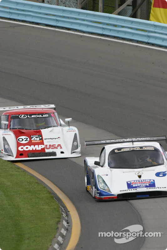 La Lexus Doran n°6 du Michael Shank Racing (Oswaldo Negri Jr., Burt Frisselle) et la Lexus Riley n°02 du CGR Grand Am (Jimmy Morales, Luis Diaz)