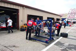 Geoffrey Bodine engine change