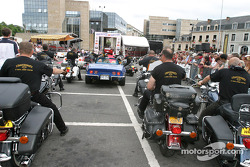Drivers parade in downtown Le Mans: bikers
