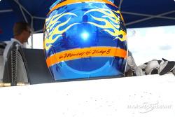 Un hommage sur le casque de Davey Hamilton