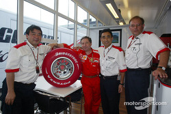 Jean Todt and Bridgestone representatives with the Limited Edition Bridgestone Formula One tyre