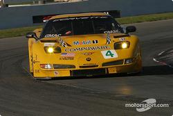 #4 Corvette Racing Corvette C5-R: Oliver Gavin, Olivier Beretta