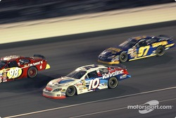 Scott Riggs comes up on Bill Elliott