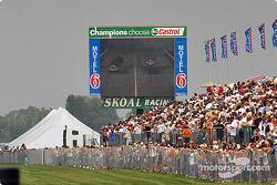 Le feu de Phil Burkart dans la première manche du Skoal showdown