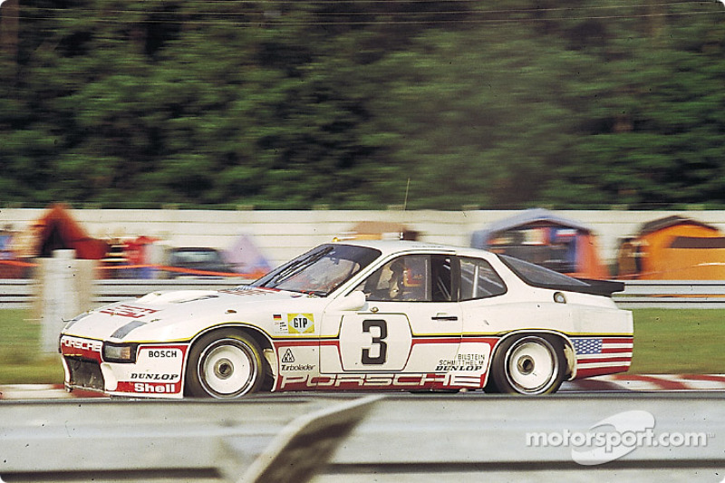 La Porsche 924 Carrera GT Turbo n°3 Porsche System : Derek Bell, Al Holbert, Eberhard Braun