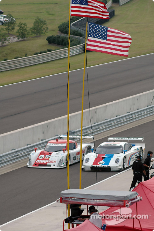 La Lexus Riley n°01 CGR Grand Am : Scott Pruett, Max Papis, et la Porsche Fabcar n°59 Brumos Racing