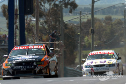 Jason Richards leads Will Davison