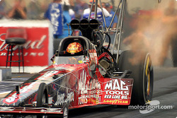 Kalitta racing cinched the three top spots in Top Fuel qualifying, here Scott Kalitta launches