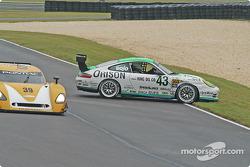 #43 Orison-Planet Earth Motorsports Porsche GT3 Cup: Sam Shanaman, Brett Shanaman goes off track