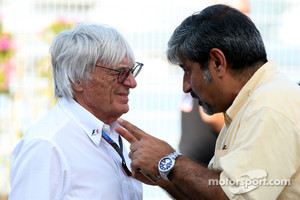 Bernie Ecclestone, F1 chief executive  and Vicky Chandhok, Indian motor racing chief.