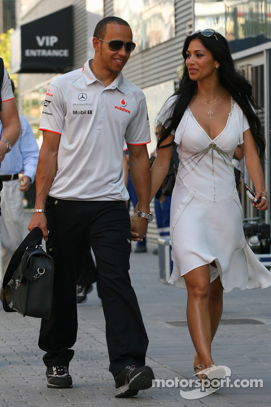 Nicole Scherzinger Singer In The Pussycat Dolls And Girlfriend Of Lewis 22 on singer le mans