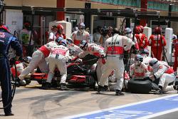 Arrêt au stand pour Lewis Hamilton, McLaren Mercedes