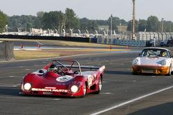 #37 Lola T294 1974: Dominique Lacaud, Rémy Striebig en #24 Porsche 911 RS 3,0l 1974: Alain Gadal, Alain Gautier, Dominique Nury