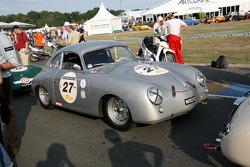 #27 Porcshe 356 1953: Yves Junne