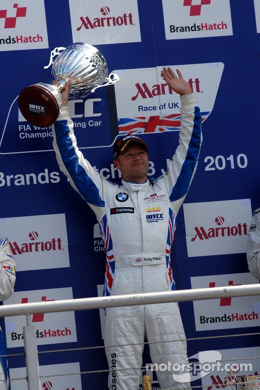Race winnaar Andy Priaulx