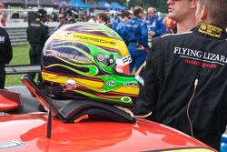 Helm van Patrick Long