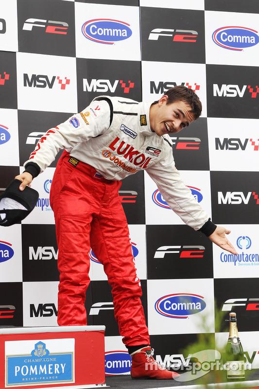 2de plaats Sergey Afanasiev op het podium