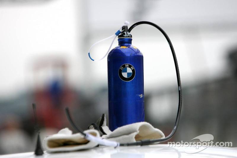 how to use motorsport drink bottle