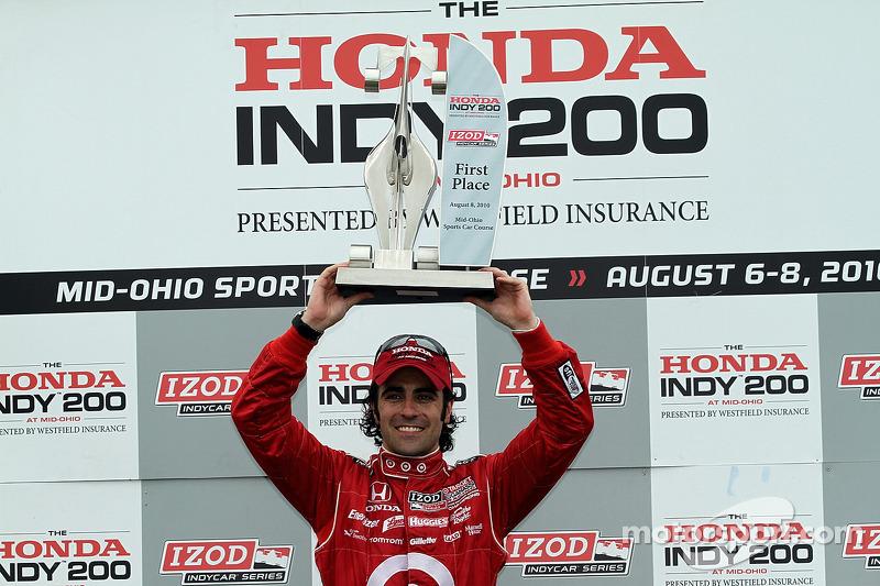 Podium: Victoire de Dario Franchitti, Target Chip Ganassi Racing,