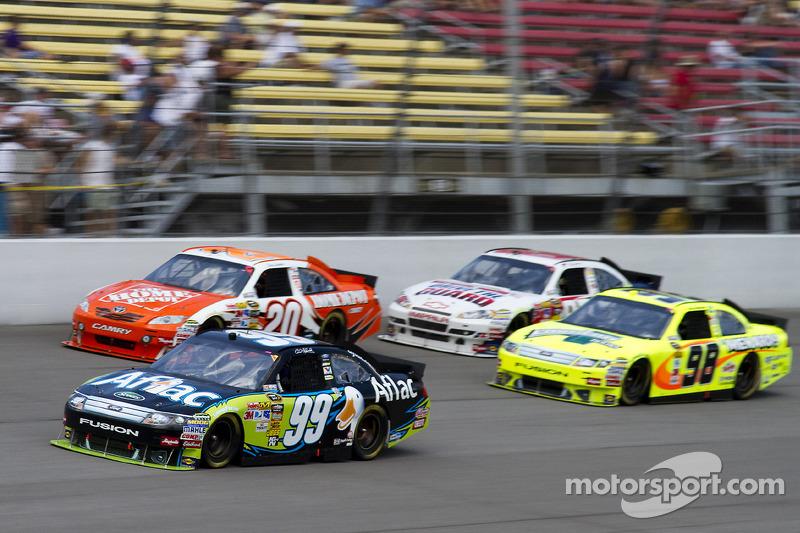 Carl Edwards, Roush Fenway Racing Ford, Joey Logano, Joe Gibbs Racing Toyota, Paul Menard, Richard P