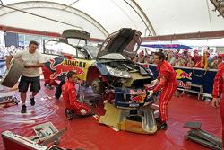 Сервисная зона команды Citroën Total World Rally Team