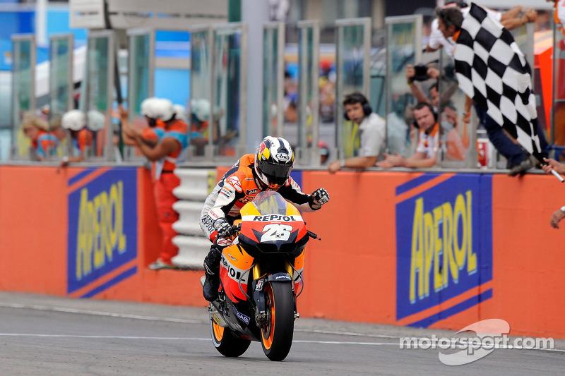 Dani Pedrosa, Repsol Honda Team passeert de finishvlag