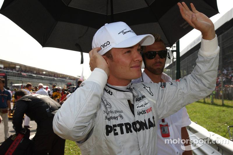 Ніко Росберг (Mercedes) на стартовій решітці