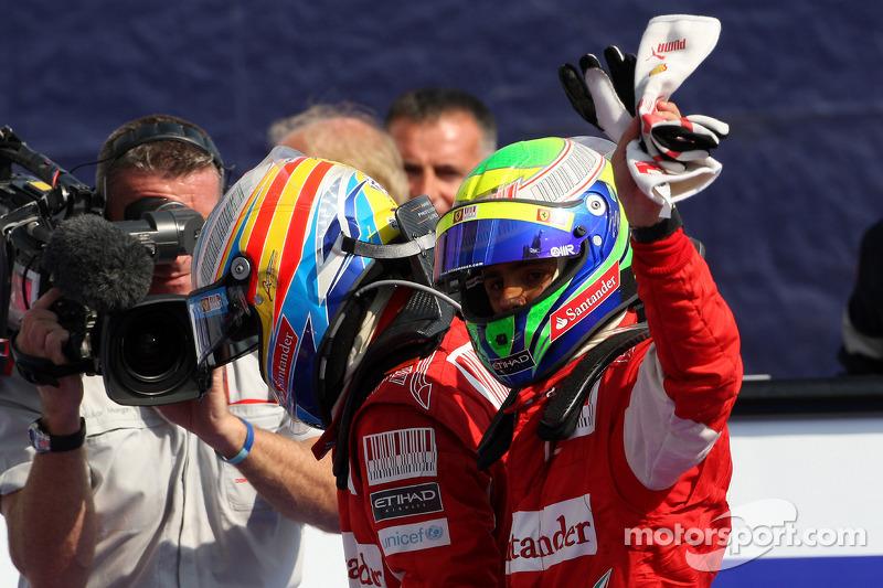 Ganador de la carrera Fernando Alonso, Scuderia Ferrari, tercer lugar Felipe Massa, Scuderia Ferrari